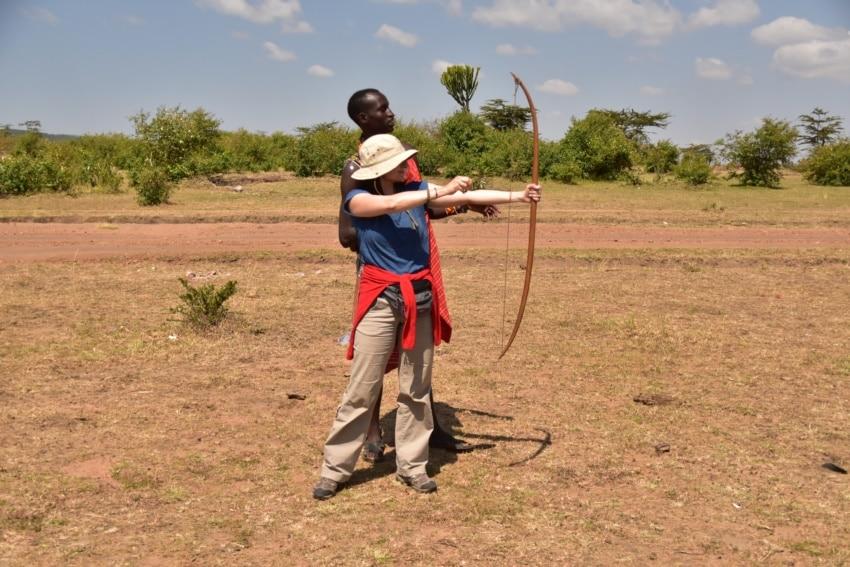 Bogenschießen mit dem Maasai Bogen