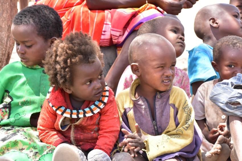 Kinder im Samburu Dorf