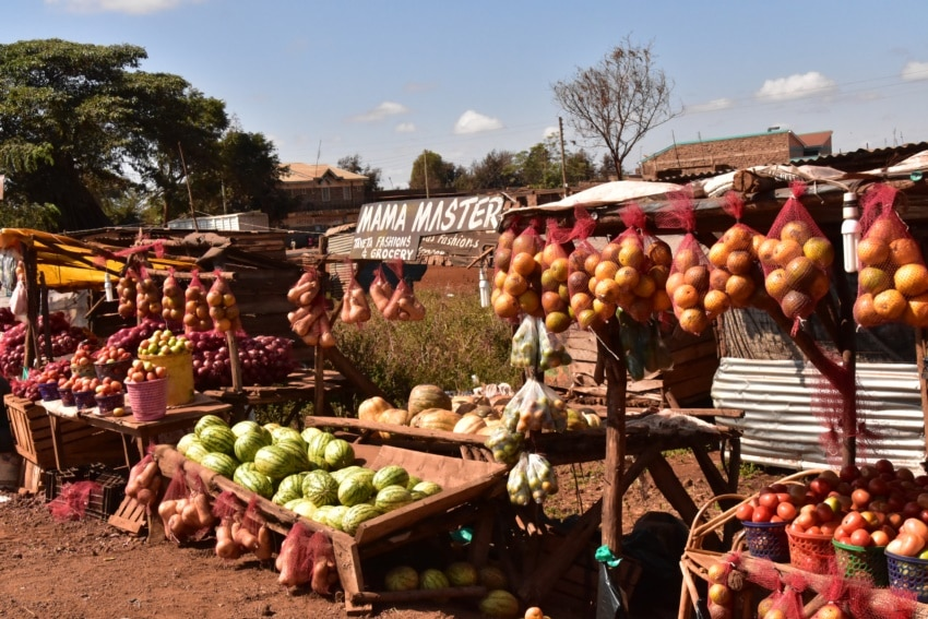Markt an der Straße zu Nairobi