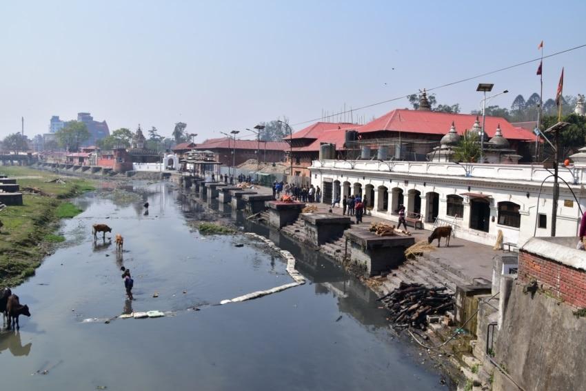 Heiliger Bagmati Fluss in Pashupatinath