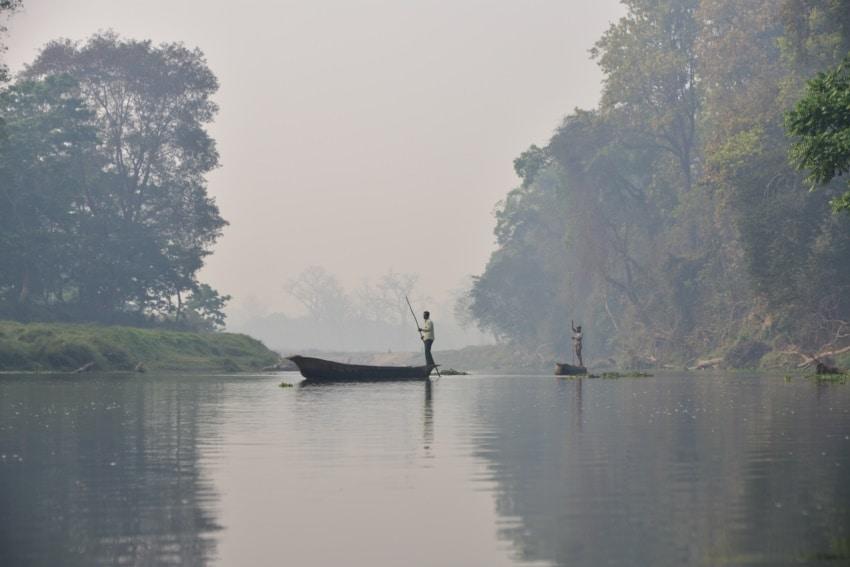 Mit dem im Chitwan Nationalpark
