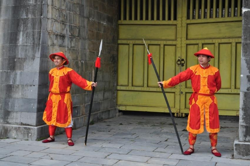 Kaiserliche Garde vor dem Hue Palast